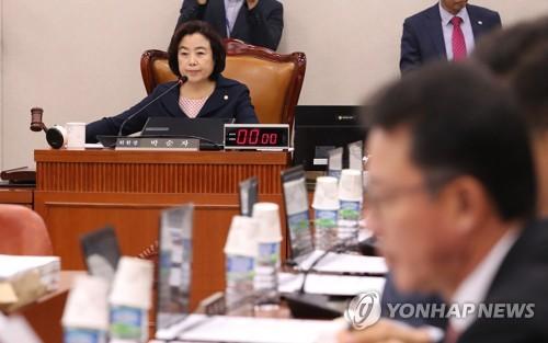 국토위, '3기 신도시·타다·김해신공항' 놓고 설전