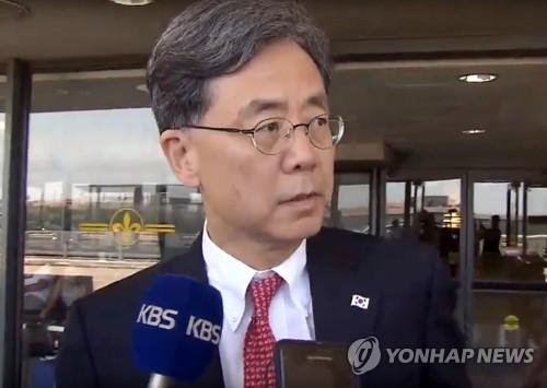 """김현종 """"한미일 고위급협의에 한미 적극적…일본 아직 답없어""""(종합2보)"""