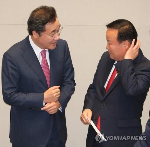 """이총리 """"해군2함대 '허위자수' 사건, 엄중 조치하겠다""""(종합2보)"""