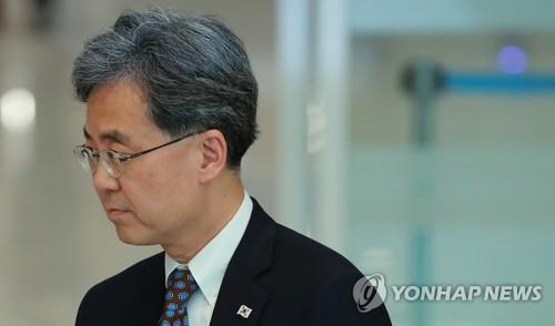 """김현종 """"日조치, 한미일 협력훼손·美기업 타격우려…美와 공감"""""""