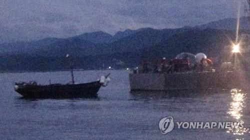 北소형목선 '심야월선'…軍, 이번엔 '전광석화' 대응