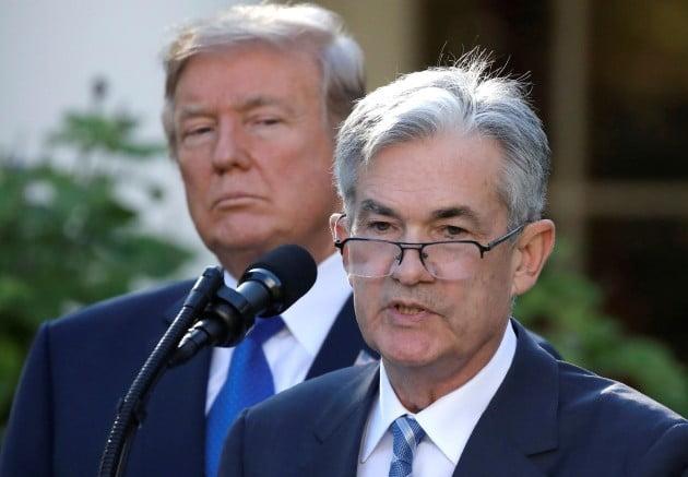 미국 중앙은행인 연방준비제도(Fed·연준) 의장 제롬 파월(오른쪽). 지난해 11월 2일 트럼프 대통령(왼쪽)의 의장 지명 뒤 백악관에서 기자회견을 하던 모습. 사진= 연합뉴스