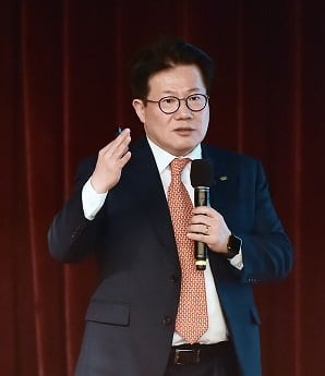 """이영원 미래에셋대우 이사 """"성장성 꺾인 국내 주식시장…해외로 눈 돌려야"""""""