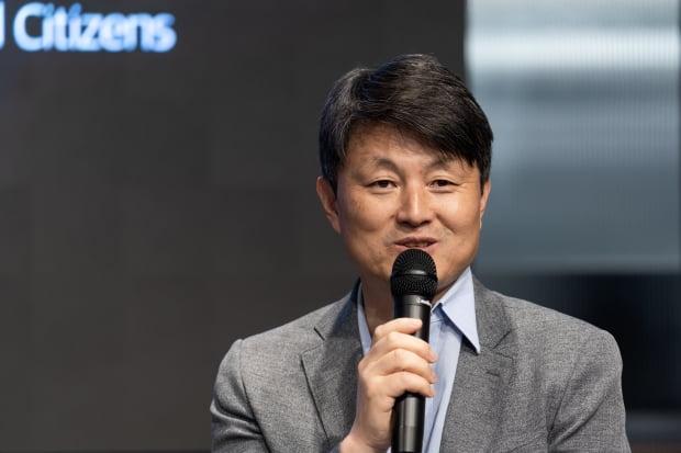 7일 이재수 부산광역시 경제부시장이 '블록체인 즉문즉답 토크쇼'에서 발표하고 있다.(사진=해시드)