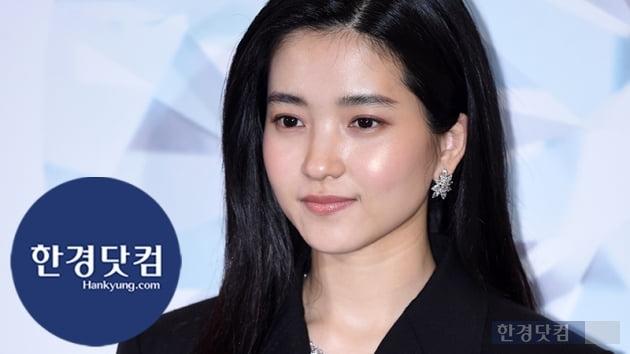 HK직캠|김태리, 블랙을 입어도 아름다운 그녀…'치명적인 아름다운 자태'