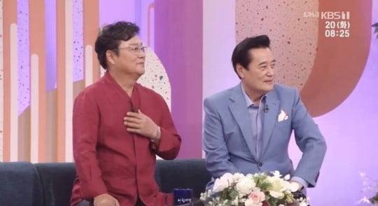 남진, 김성환이 나이를 뛰어넘는 우정을 과시했다./사진=KBS 1TV '아침마당' 영상 캡처
