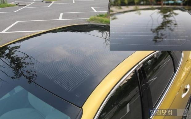 쏘나타 하이브리드에 탑재된 태양광 발전 패널 모습. 사진=오세성 한경닷컴 기자