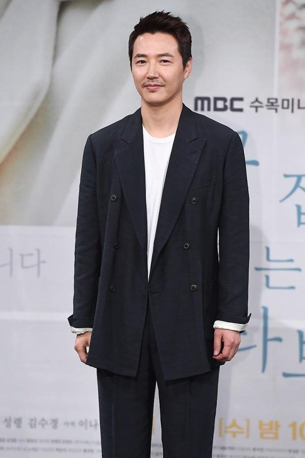 '손 꼭 잡고 지는 석양을 바라보자' 윤상현 /사진=변성현 기자