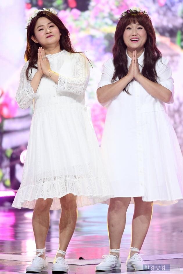 [포토] 셀럽파이브 김신영-송은이, '순백의 원피스 입고~'