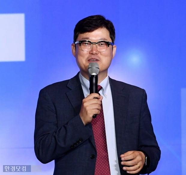 김학렬 더리서치그룹 센터장이 22일 한경닷컴 창립 20주년 기념 한경 재테크쇼가 '위기때 빛나는 역발상 투자전략'이라는 주제로 강연하고 있다. / 최혁 한경닷컴 기자 chokob@hankyung.com