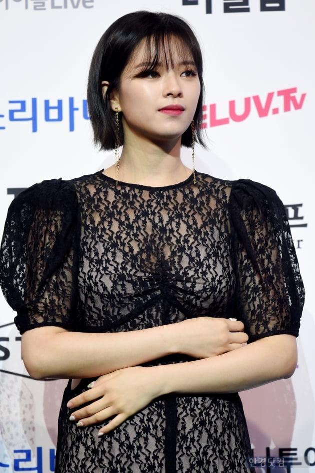 [포토] 트와이스 정연, '시크한 눈빛~' (2019 소리바다 어워즈)