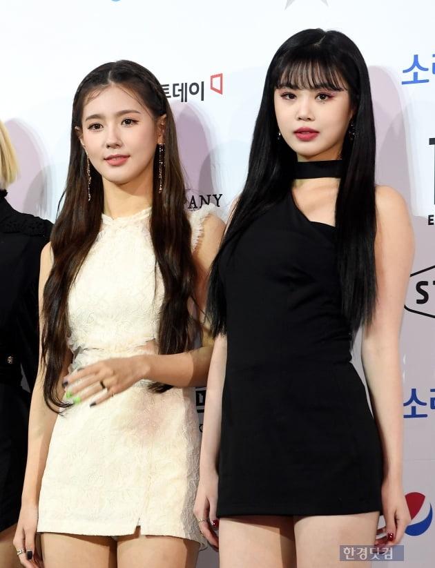 [포토] 미연-수진, '블랙&화이트 미모 대결' (2019 소리바다 어워즈)
