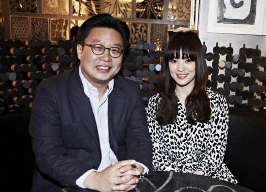 서경덕 교수(왼쪽), 송혜교. /사진제공=서경덕 교수