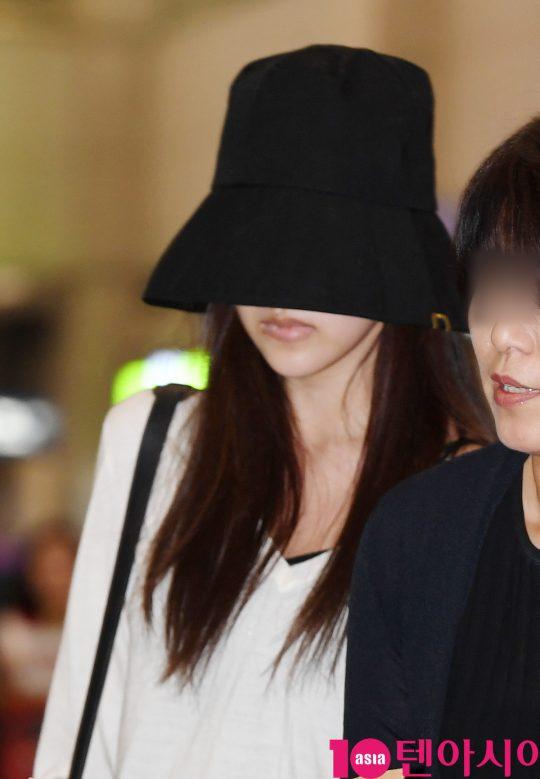 걸그룹 트와이스 미나가 1일 오후 일본 집에서 휴식을 취하고 인천국제공항을 통해 입국하고 있다./ 사진=조준원 기자 wizard333@