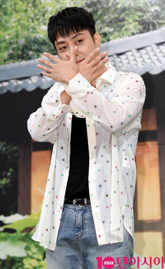 은지원이 2일 오후 서울 논현동 임피리얼 팰리스 호텔에서 열린 MBN 신규 예능 프로그램 '자연스럽게' 제작발표회에 참석했다. /조준원 기자 wizard333@