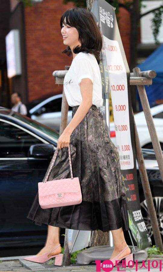 [TEN PHOTO]박하선 '핑크백을 사랑하는 여신'