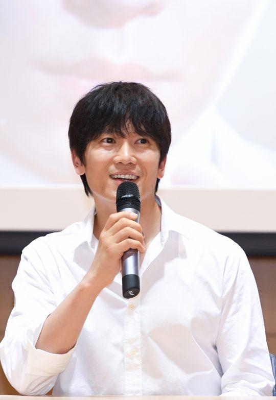 배우 지성이 5일 오후 서울 마곡동 이대서울병원에서 열린 '의사 요한' 기자간담회에 참석했다. /사진제공=SBS