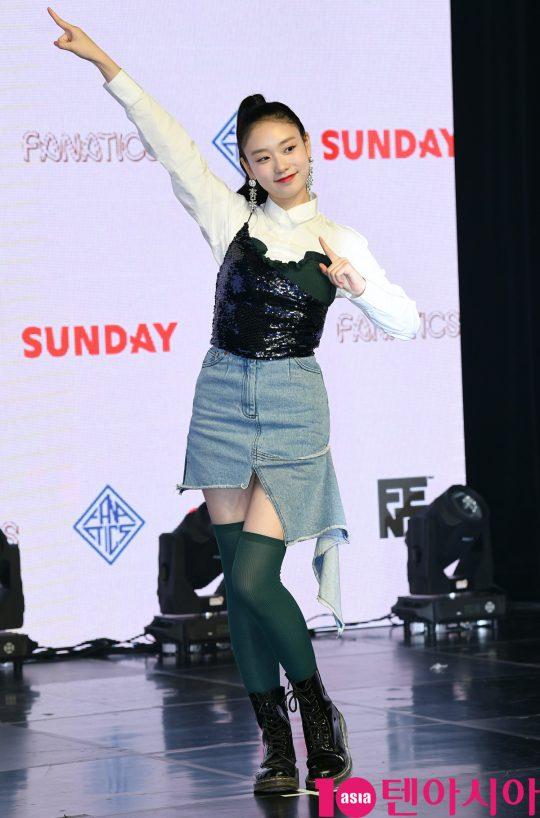 걸그룹 파나틱스(도아, 윤혜, 지아이, 채린, 시카, 도이) 도아가 6일 오후 서울 청담동 일지아트홀에서 열린 데뷔 앨범 'THE SIX' 발매 기념 쇼케이스에 참석하고 있다.