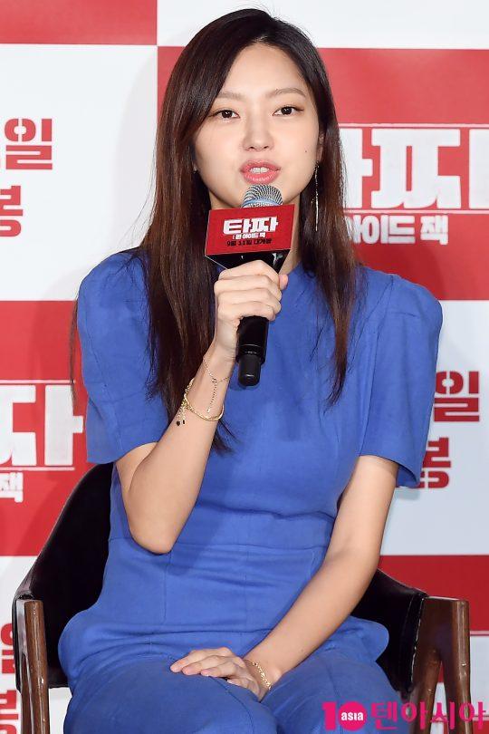 포커판을 흔드는 미스터리한 마돈나 역을 맡은 배우 최유화. /이승현 기자 lsh87@