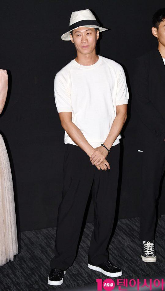 배우 진선규가 8일 오후 서울 강남구 삼성동 메가박스 코엑스에서 열린 영화 '암전' 가족시사회 무대인사에 참석했다.