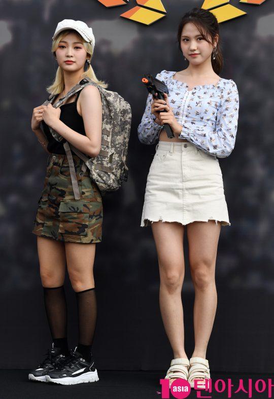 드림노트 미소와 수민이 9일 오후 서울 장충동 장충체육관에서 열린 2019 펍지 네이션스 컵 기념 포토월에 참석하고 있다.