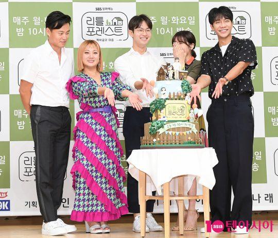 이서진(왼쪽부터), 박나래, 김정욱 PD, 정소민, 이승기