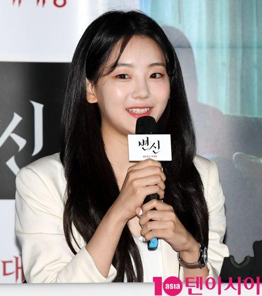 배우 조이현이 12일 오후 서울 자양동 롯데시네마 건대입구점에서 열린 영화 '변신' 언론시사회에 참석하고 있다.