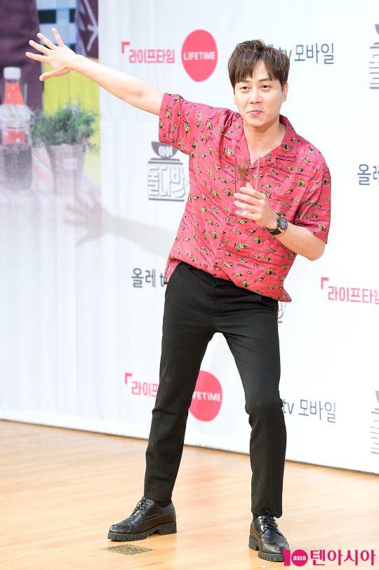 가수 신화 앤디