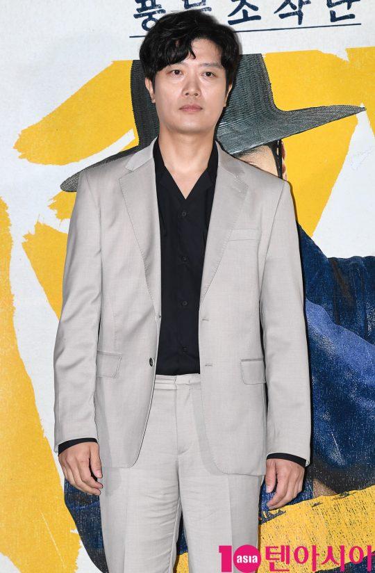 배우 박희순이 13일 오후 서울 한강로3가 CGV 용산아이파크몰점에서 열린 영화 '광대들:풍문조작단' 언론시사회에 참석하고 있다.