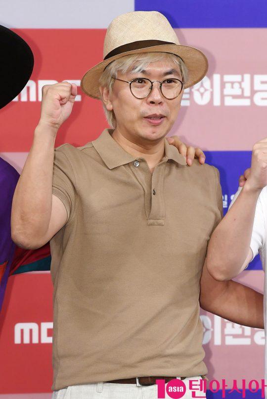 김태호 PD가 14일 오후 서울 상암동 MBC 골든마우스홀에서 열린 MBC 새 예능프로그램 '같이 펀딩' 제작발표회에 참석하고 있다.