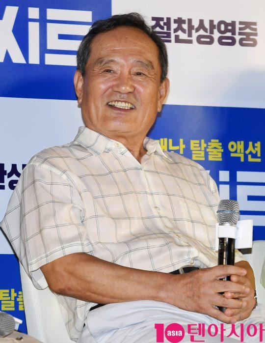 배우 박인환이 14일 오후 서울 송파구 롯데시네마 월드타워에서 열린 영화 '엑시트' 땡큐 쇼케이스에 참석하고 있다.