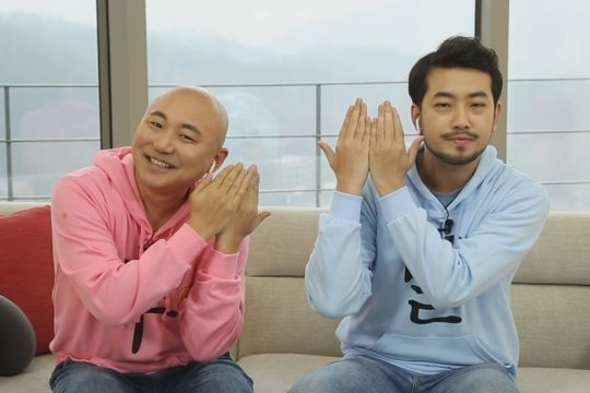 MBC FM4U '배철수의 음악캠프'에 특별DJ로 출연하는 웹툰 작가 주호민(왼쪽부터), 이말년. /사진제공=MBC