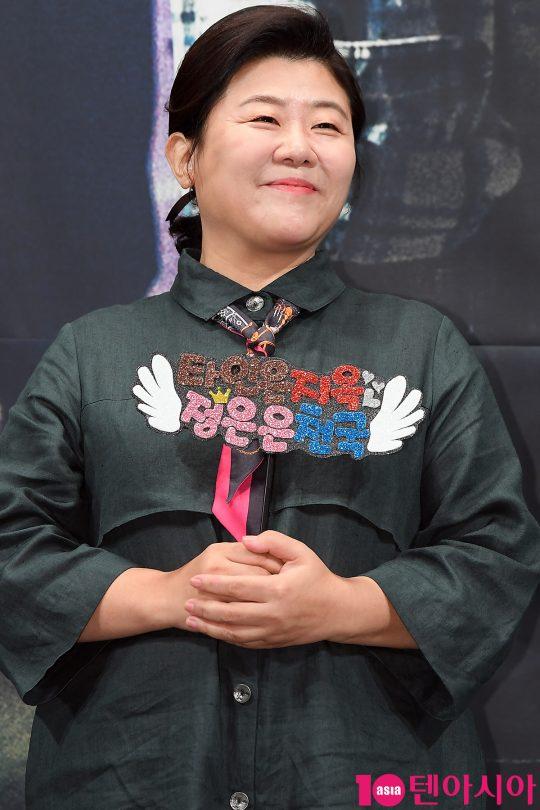 OCN 드라마틱 시네마 '타인은 지옥이다'에서 고시원 주인 엄복순을 연기한 배우 이정은./ 이승현 기자 lsh87@