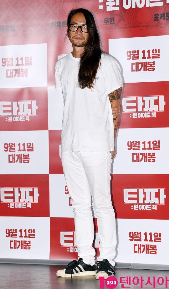 배우 류승범이 28일 오후 서울 자양동 롯데시네마 건대입구점에서 열린 영화 '타짜: 원 아이드 잭' 언론시사회에 참석하고 있다.