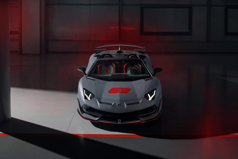 람보르기니, 한정판 아벤타도르 SVJ & 우라칸 에보 GT 공개