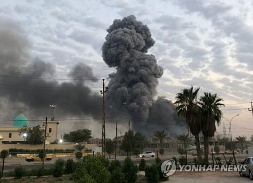 """친이란 이라크 민병대 """"美, 주둔지·무기고 폭발에 책임"""""""
