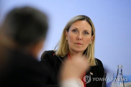 """美국무차관 """"北미사일발사 계속 비판할 것…대북압박 굳건 유지"""""""
