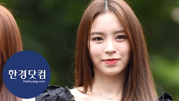 HK직캠 CLC 엘키, 등장부터 아름다워…상큼한 미소에 '심쿵'