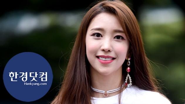 HK직캠|파나틱스 도이, 눈 뗄 수 없는 예쁜 미소…'웃을 때 제일 예뻐~'
