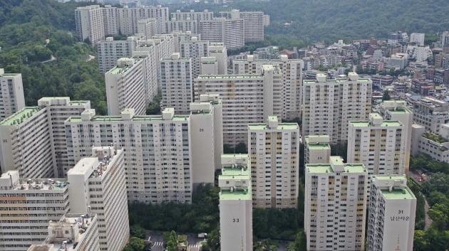 서울 중구 신당동 '남산타운'은지난해서울형공동주택리모델링시범사업대상단지로선정되면서매매가격이많이뛰었다. /현대공인 제공