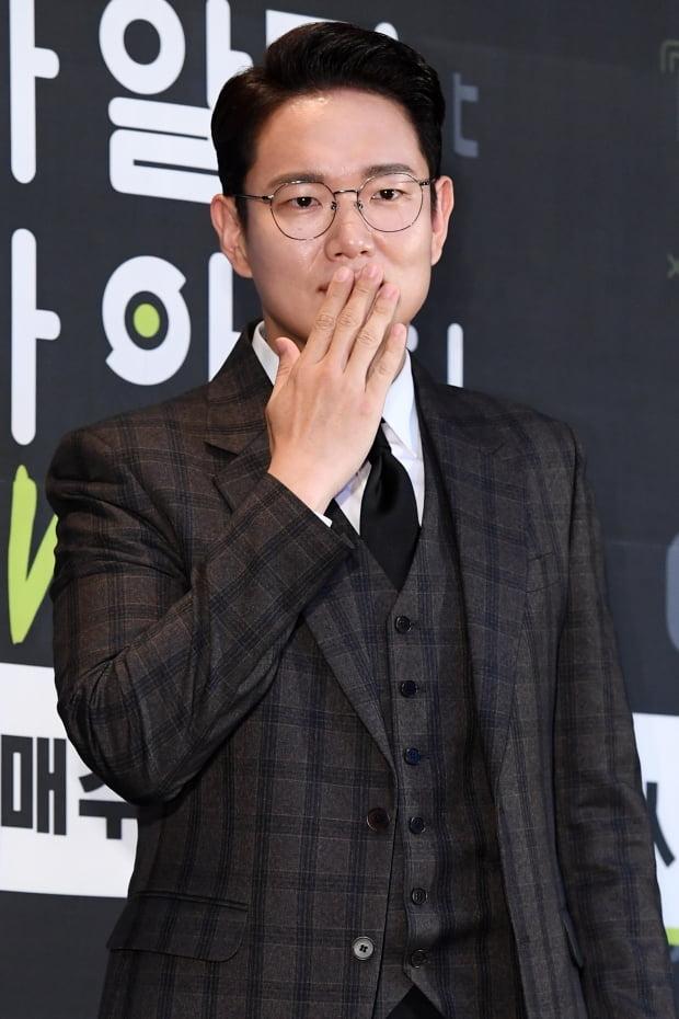 장성규 '굿모닝 FM' DJ 낙점…'신입사원' 이후 8년만의 '금의환향'