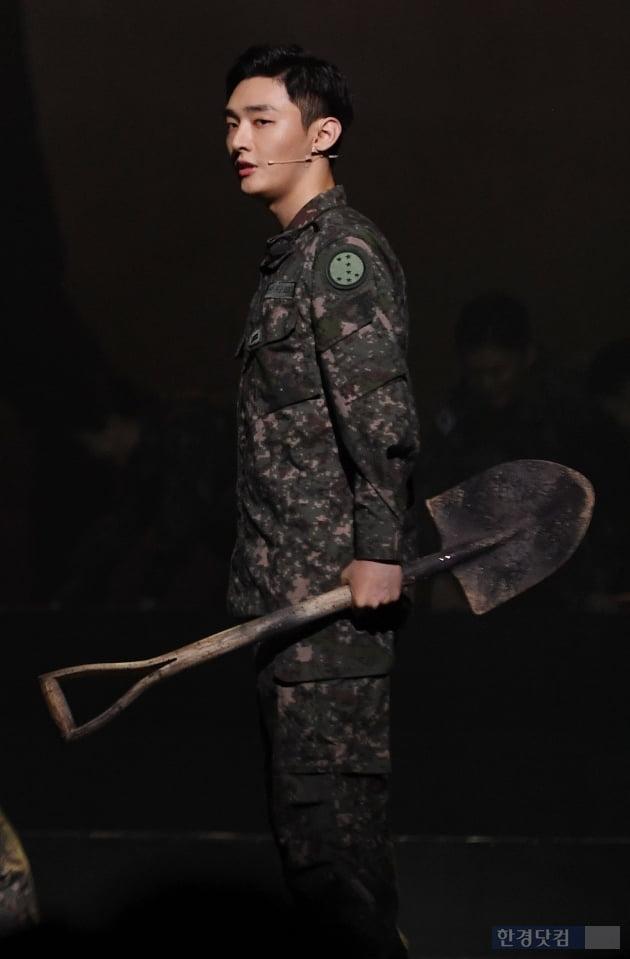 [포토] 윤지성, '아이돌에서 늠름한 군인으로'
