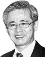 [시론] 글로벌 스탠더드에 역행하는 '5%룰' 완화