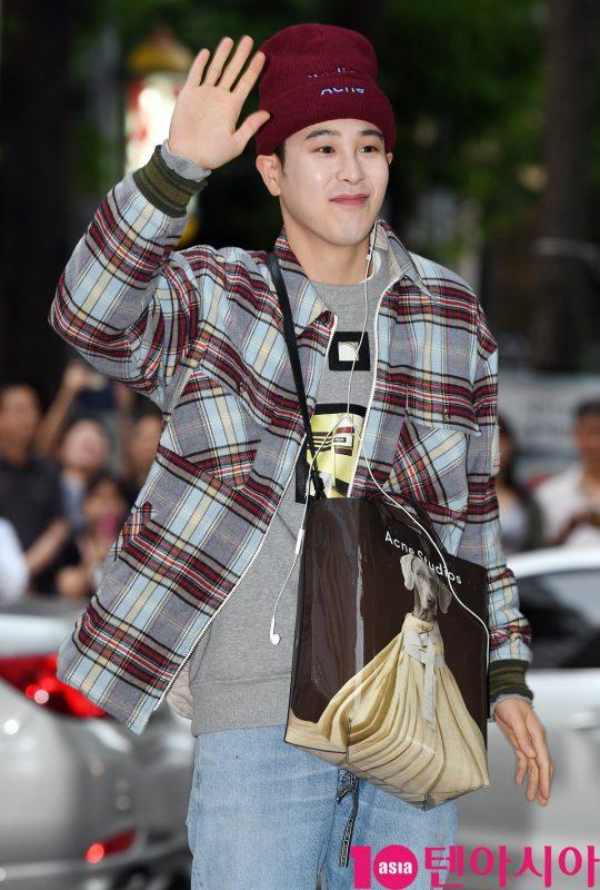 블락비 피오가 1일 오후 서울 여의도 한 음식점에서 열린 tvN 토일드라마 '호텔 델루나' 종방연에 참석하고 있다.