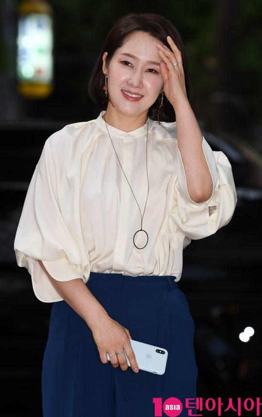 배우 배해선이 1일 오후 서울 여의도 한 음식점에서 열린 tvN 토일드라마 '호텔 델루나' 종방연에 참석하고 있다.