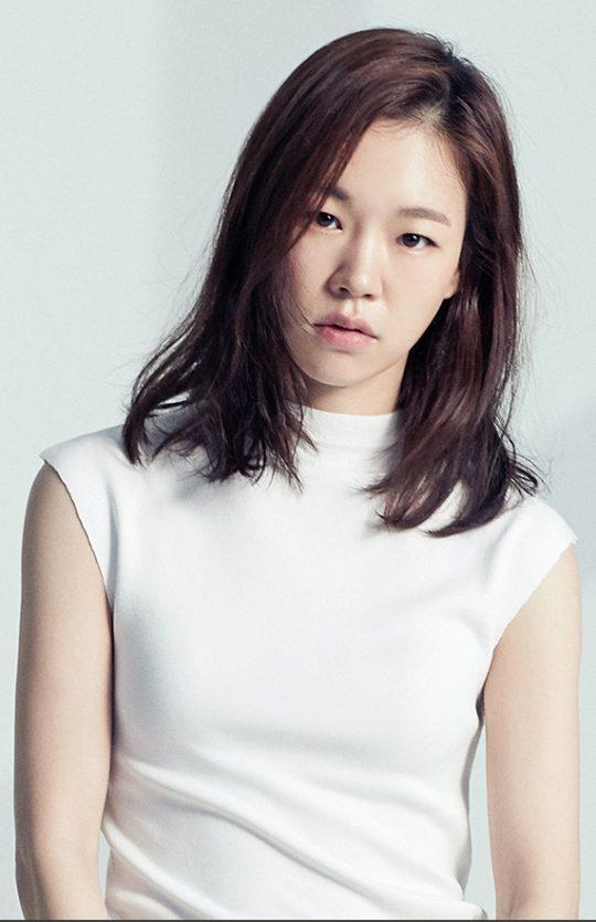 배우 한예리. /사진제공=마리끌레르