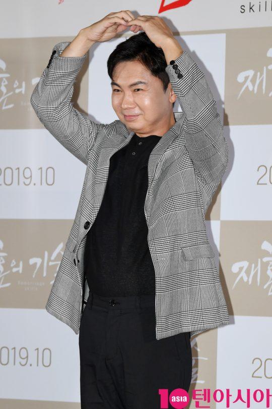 배우 임원희가 3일 오전 서울 한강로3가 CGV 용산아이파크몰점에서 열린 영화 '재혼의 기술' 제작보고회에 참석하고 있다.