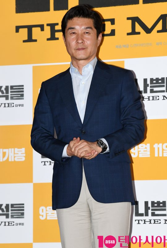 배우 김상중이 3일 오후 서울 한강로3가 CGV 용산아이파크몰점에서 열린 영화 '나쁜 녀석들: 더 무비' 언론시사회에 참석하고 있다.