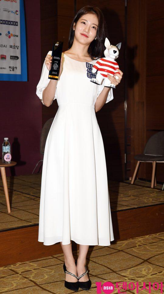 배우 신예은이 4일 오전 서울 영등포구 코트야드 바이 메리어트 서울타임스퀘어에서 '제21회 부천국제애니메이션페스티벌(BIAF 2019)' 홍보대사 위촉식 및 기자간담회에 참석하고 있다.