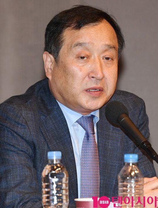 전양준 집행위원장이 4일 오후 사울 중구 세종대로 한국프레스센터에서 열린 제24회 부산국제영화제(BIFF) 공식 기자회견에 참석하고 있다.